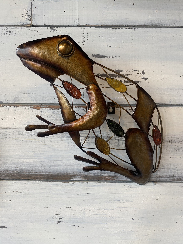 Sitting Frog Metal Art