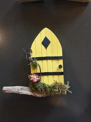 Fairy Door - Yellow with Diamond