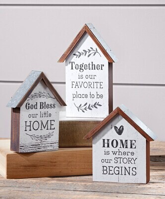 House design table decor with tin roof