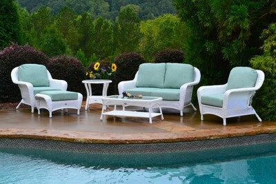 Sea Pines White 6-Pc Set Loveseat