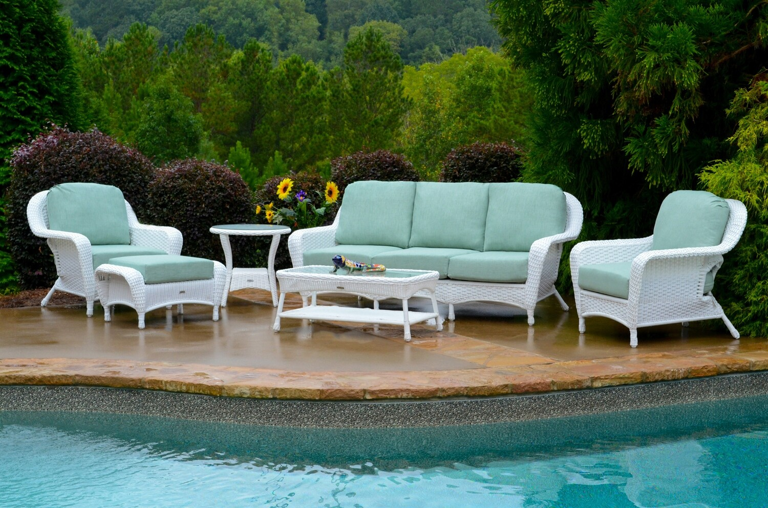 Sea Pines White Wicker 6-Pc Deep Seating Set w/ Sofa