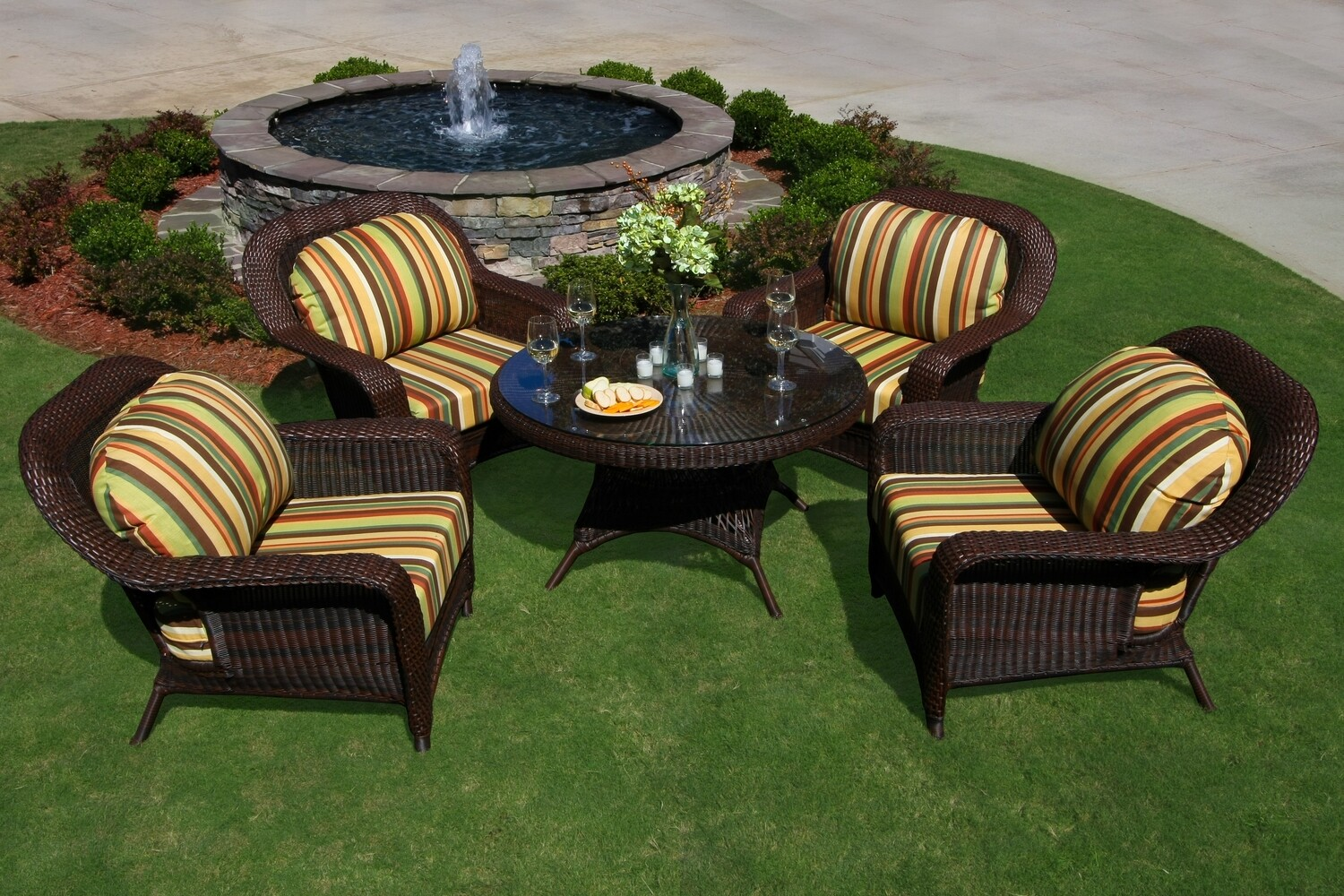Sea Pines 5 Piece Conversation Set One Conversation Table with 4 Club Chairs