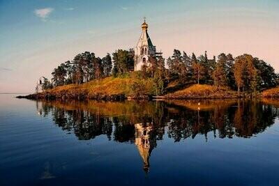 Круиз на Валаам по Ладожскому озеру на Luxure яхте из Санкт-Петербурга, 3 дня