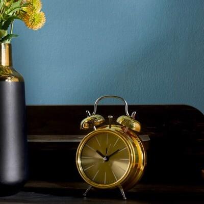 Металлические часы будильник