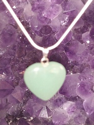 GREEN AVENTURINE HEART SMALL PENDANT WITH STERLING SILVER CHAIN