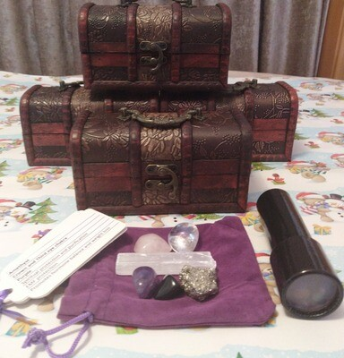 TREASURE CHEST WITH CRYSTAL TREASURES + KIT
