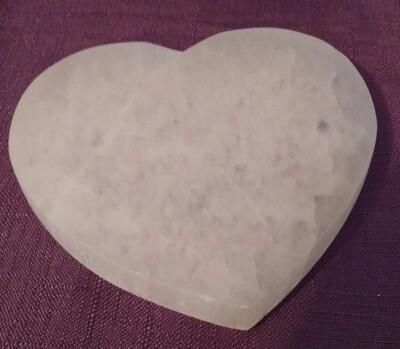 SELENITE HEART CHARGING PLATE