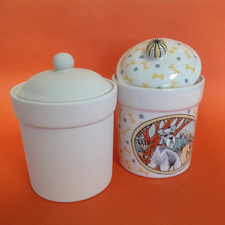 Tea Canister with lid, straight sides, knob on lid