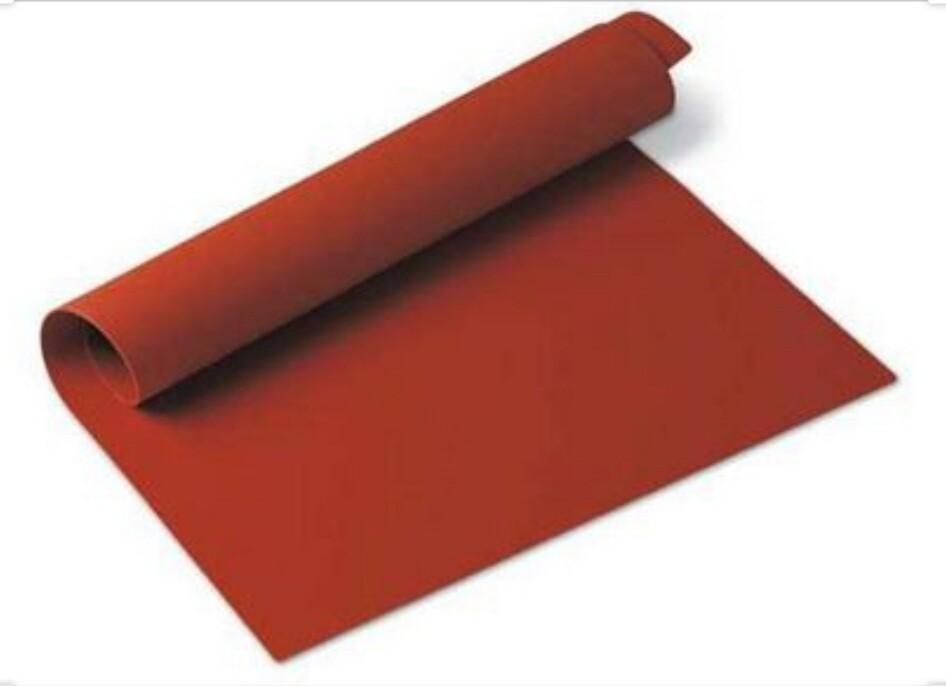 Red silicone matt 40 x 60 cm.