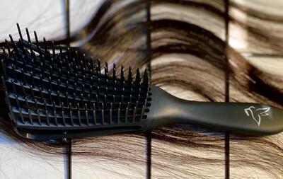 Flawless Detangling Brush