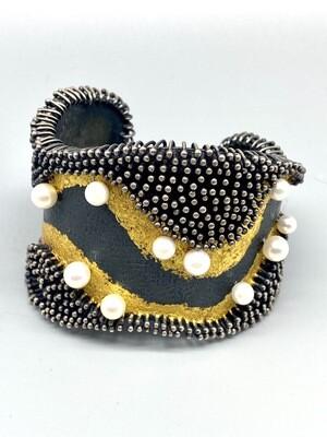 Akoya Pearls Cuff