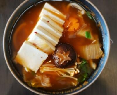 Kimchi Udon with Tofu
