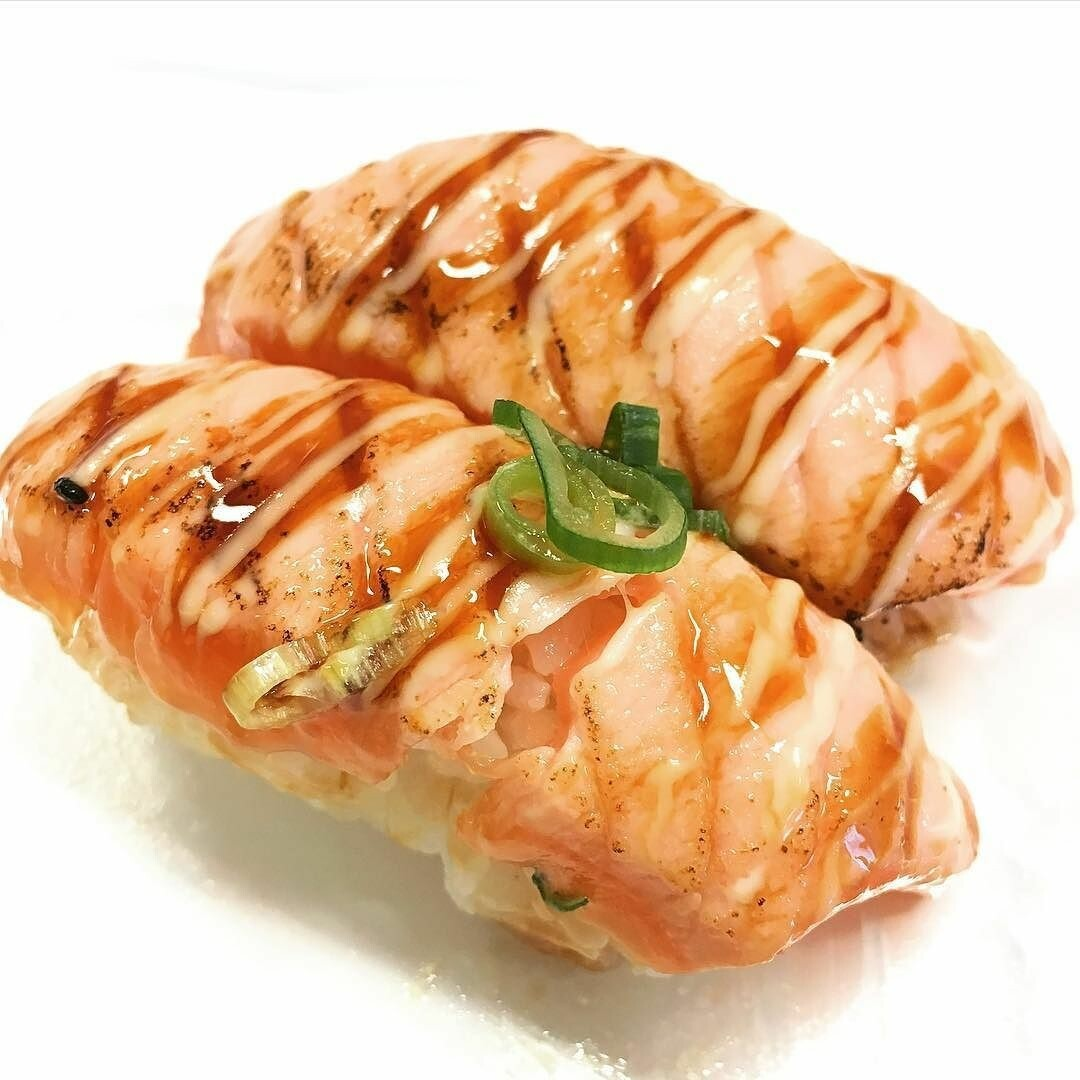 Atlantic Salmon Aburi Nigiri (2 pcs)