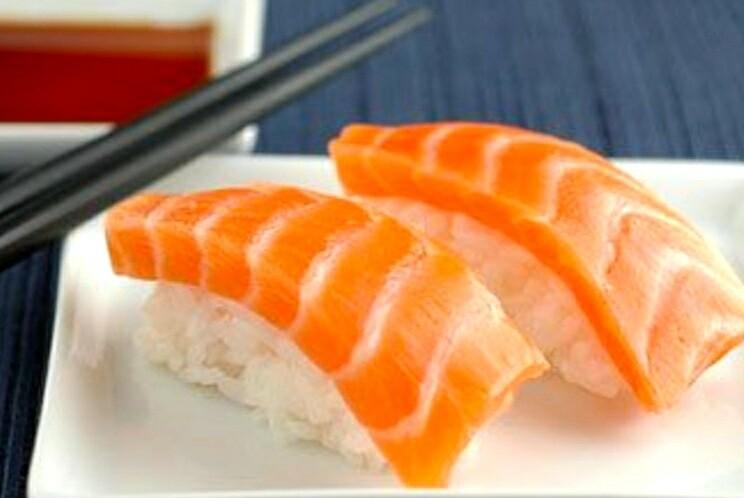Atlantic Salmon Nigiri (2 pcs)
