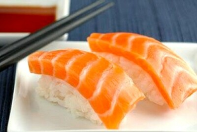 Atlantic Salmon Nigiri (2 pcs)