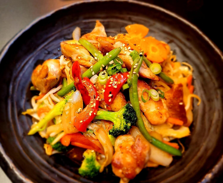 Spicy Chicken Yaki Udon