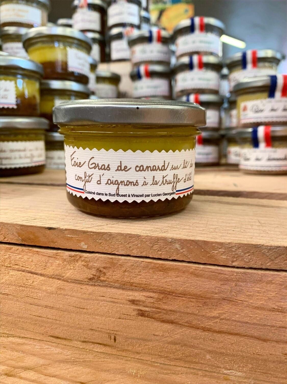 Foie gras de canard sur lit de confit d'oignons à la truffe d'été