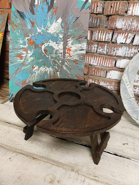 Винный столик из дерева коричневый