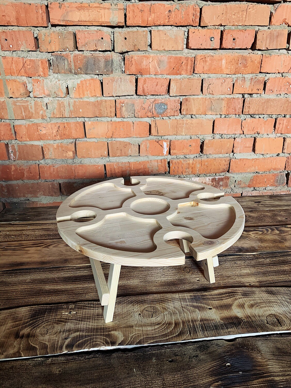 Винный столик из дерева натуральный