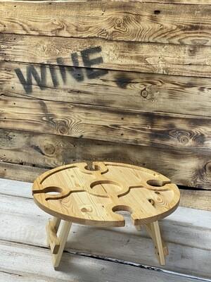 Винный столик из дерева медовый