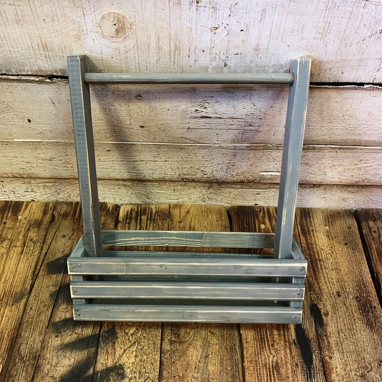 Деревянный ящик с ручкой (серый)