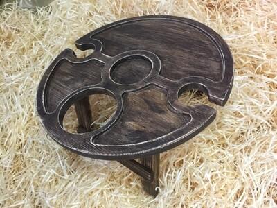 Винный столик из дерева c отверстием под бутылку сбоку D-50 см.