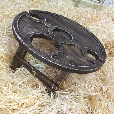 Винный столик из дерева c отверстием под бутылку сбоку D-35 см.