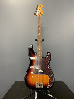 Squire Classic Vibe P Bass