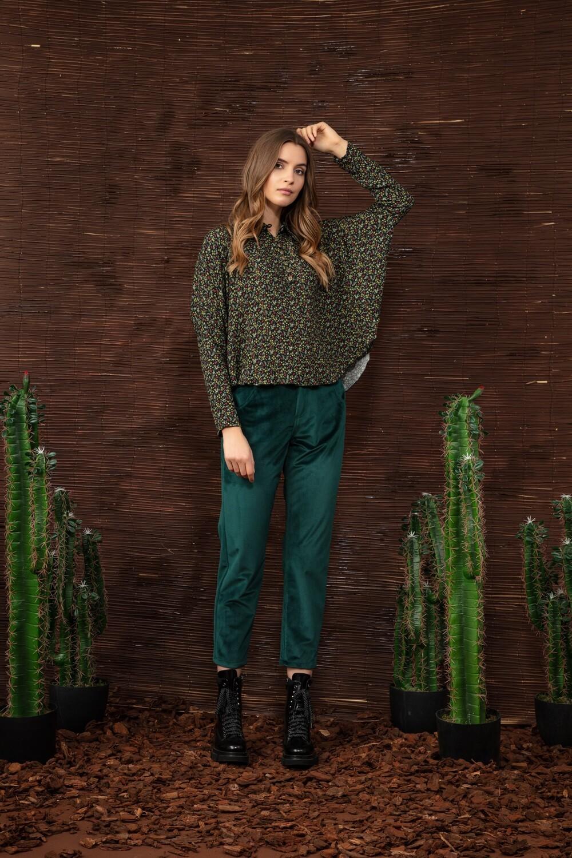 Velvet trousers in green