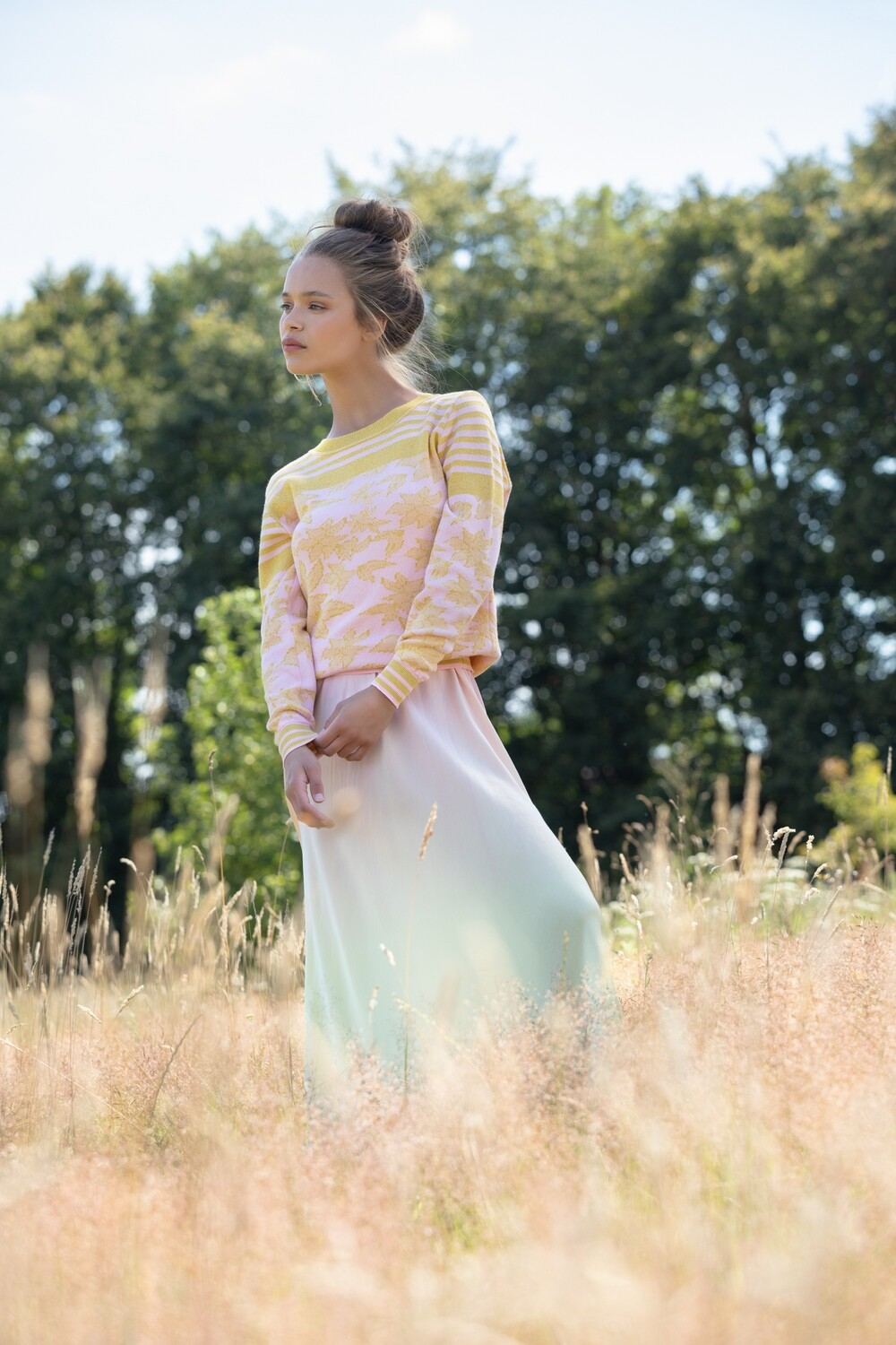 Pullover in cotton and soft colours