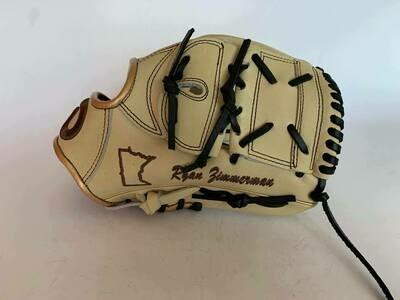 Glove Break 003