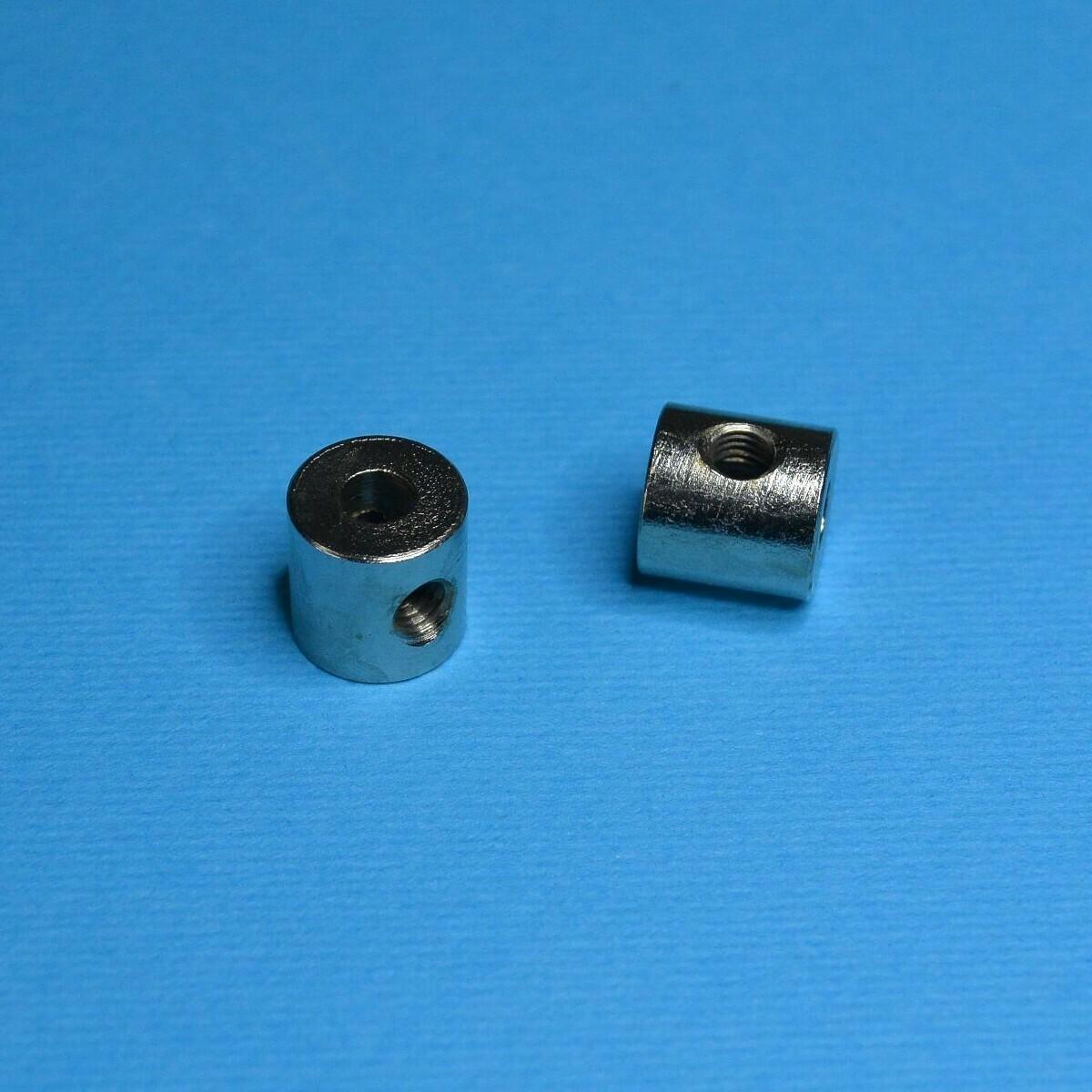 Втулка 10 мм с резьбовыми отверстиями