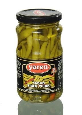 Scharfe Peperonis- Gurken Pickles -Jalapeno - Eingelegte Gurken -Tuerkische Essigkonserven Yeren