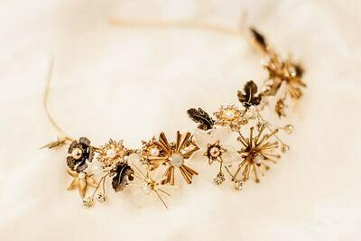 'Antares' bridal crown