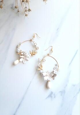Dotty-Statement bridal earrings