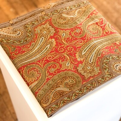 Gift-105 Tablecloth Red Paisley 54