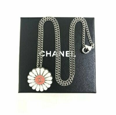 Vintage 90's CHANEL CC Logo Daisy Flower Enamel Charm Pendant Necklace Jewelry Silver Chain Boho Hippie 70's Style!
