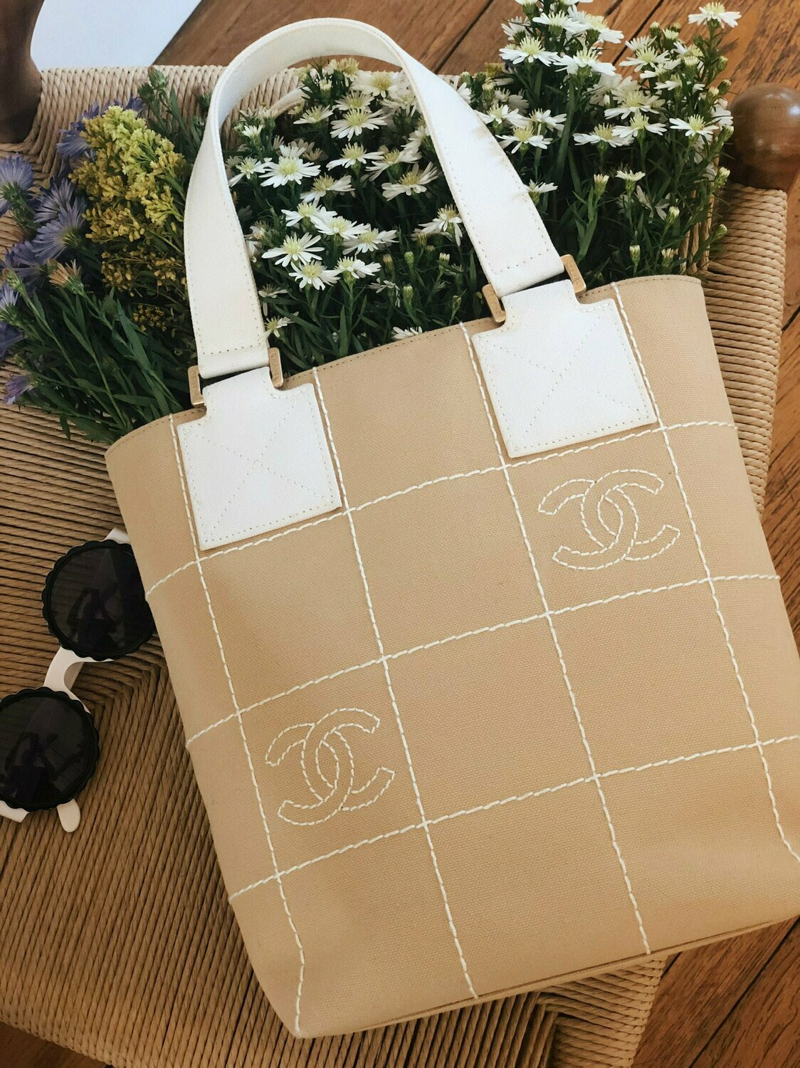CHANEL CC EMBROIDERED BEIGE WHITE CANVAS TOTE BAG