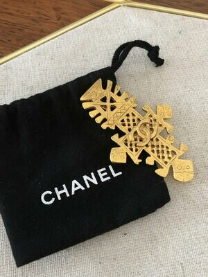 Vintage 90's CHANEL Paris Large CC Logo Cross Motif Gold Jewelry Brooch Pin - 94' Collection