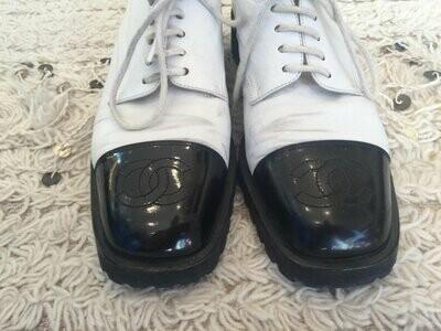 Vintage CHANEL HUGE CC Logo Cap Toe White Black Sneakers Oxford Lace Ups Boots eu 38.5 us 7 - 7.5