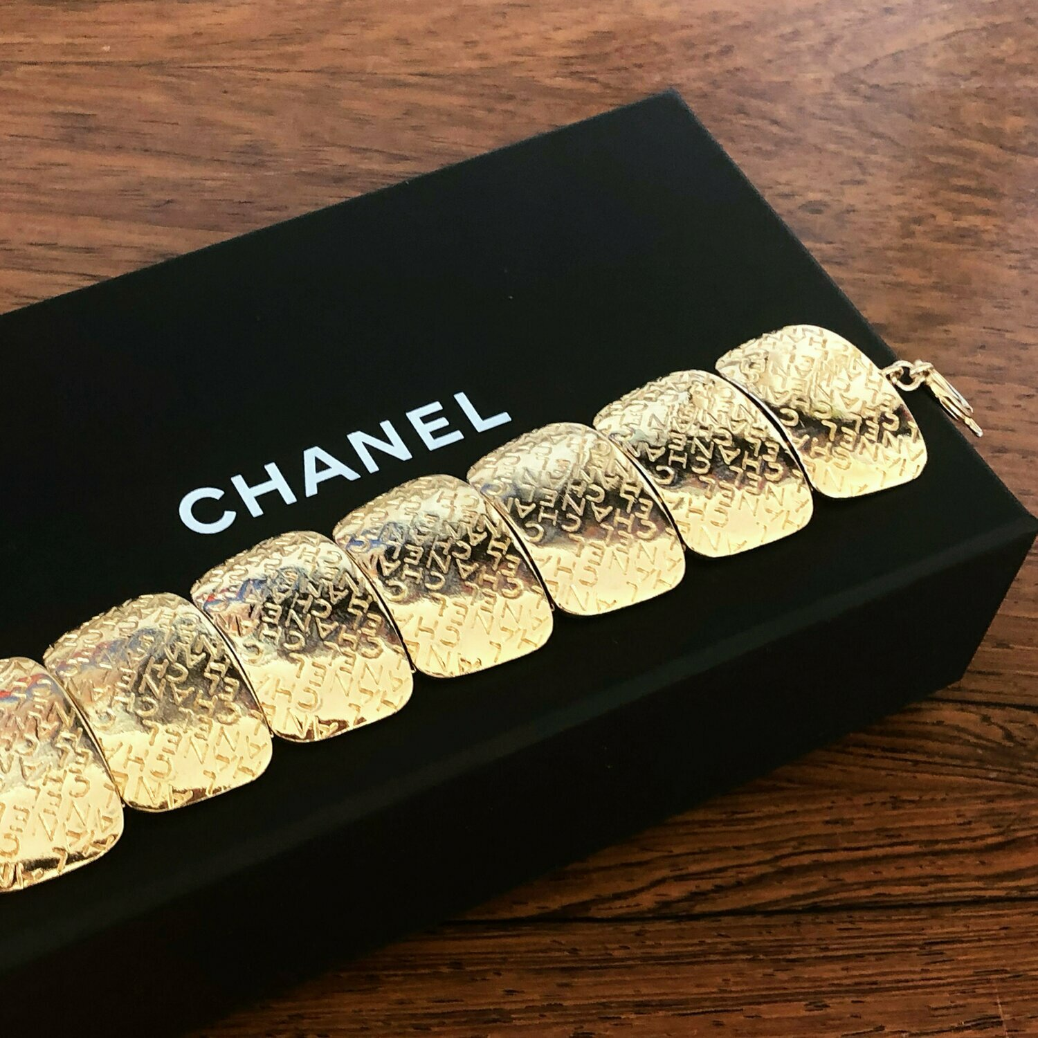 Vintage 90's CHANEL LOGO LETTERS Gold Plated Hinged Charm Bracelet Bangle Cuff Jewelry