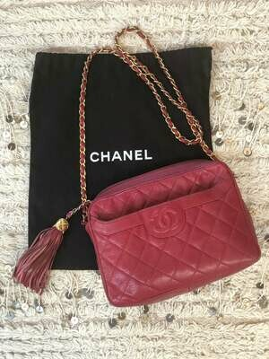 Vintage CHANEL CC Logo Matelasse Quilted Red CAVIAR Leather Chain Crossbody Camera Bag Clutch Purse Bag with fringe tassel