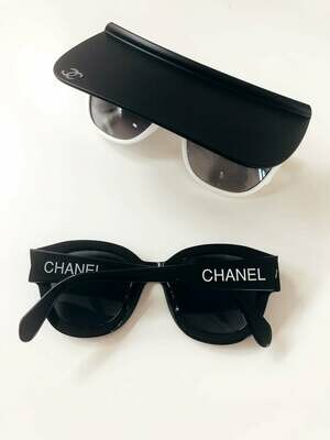 VINTAGE CHANEL LETTER LOGO BLACK / WHITE SUNGLASSES WITH CASE