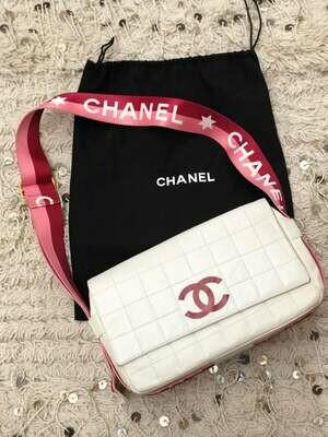 CHANEL LETTER CC LOGO WEBBING STRAP CHOCOLATE BAR SHOULDER BAG PINK / WHITE