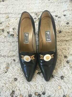 Vintage 90's GIANNI VERSACE MEDUSA Head Monogram Heels Pointed Toe Pumps Sandals eu 38 us 7.5 - 8