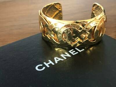 Vintage 90's CHANEL HUGE CC Logos Letters Monogram Matelasse Quilted Gold Cuff Bangle Bracelet Jewelry - 1994 Collection