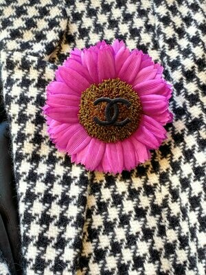 Vintage 90's CHANEL Paris Huge XL Large CC Logo Pink Purple Flower Daisy Jewelry Brooch Pin