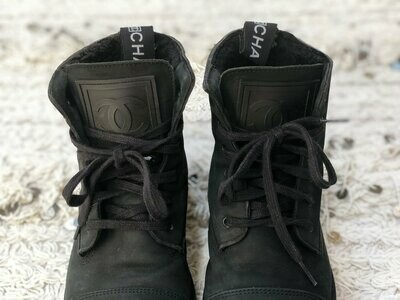 Vintage 90's CHANEL CC Logo COMBAT Shearling Lined Biker Moto Black Lace Up Leather Boots 40 us 9 - 9.5 - Rare!!