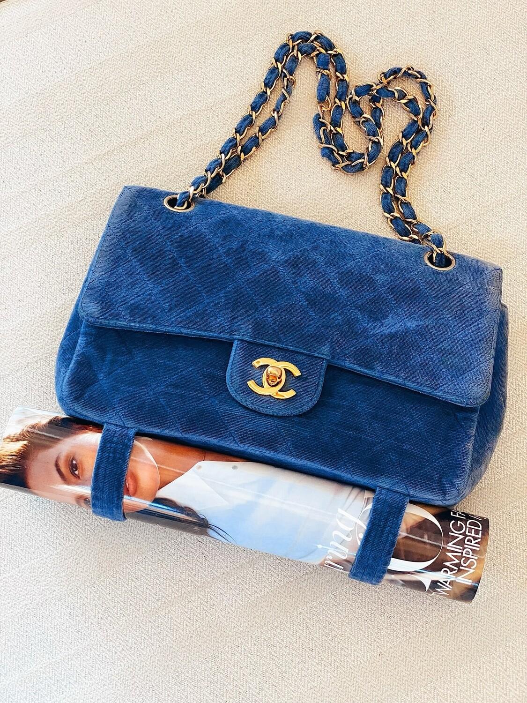 VINTAGE CHANEL CC MAGAZINE FLAP BLUE VELVET DOUBLE CHAIN BAG