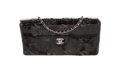 VINTAGE CHANEL CC CAMELLIA BLACK PATENT LEATHER SINGLE FLAP SHOULDER BAG